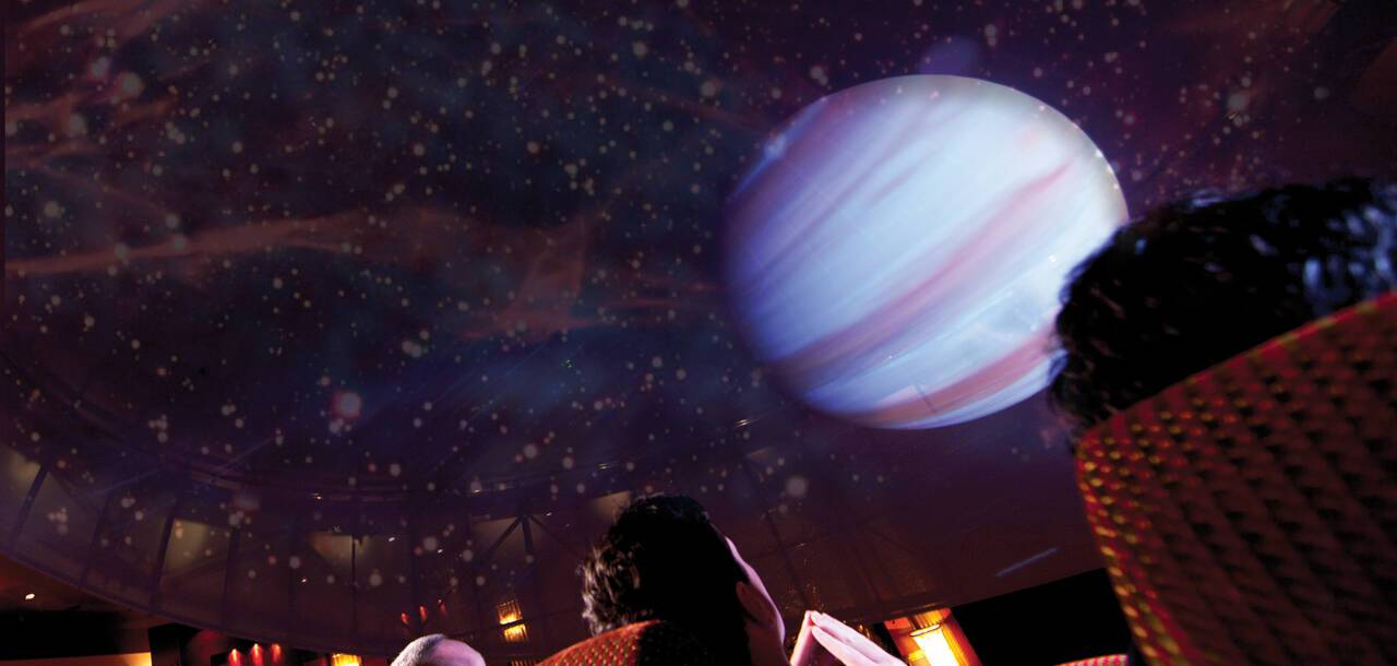 Queen Mary 2, Illuminations Planetarium