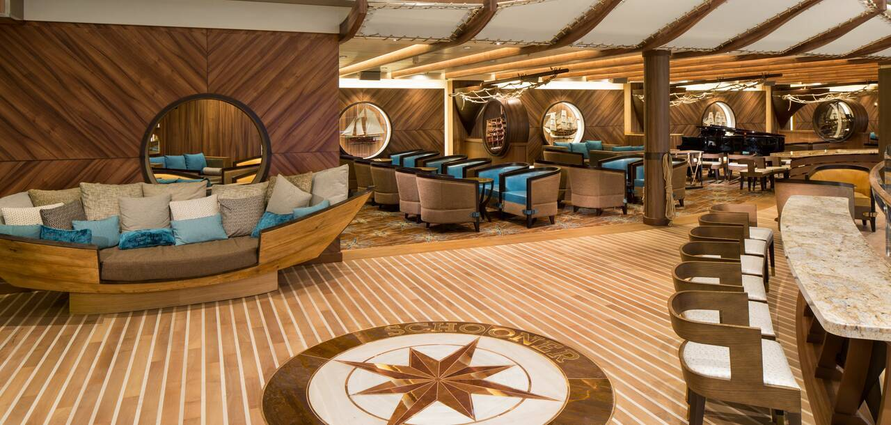 Harmony of the Seas Schooner Bar