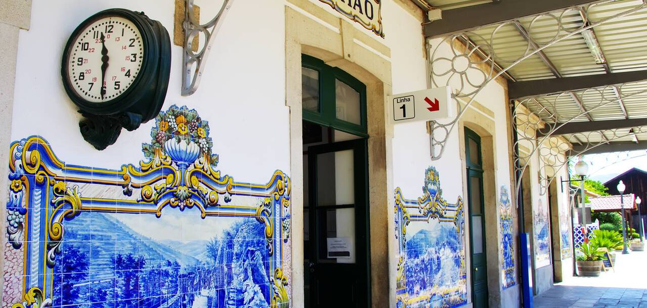 railway station of Pinhao blue and white Azulejo tiles