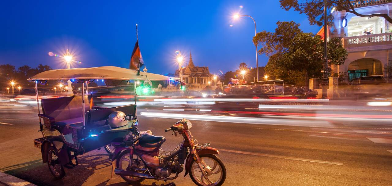 Night life in the most popular street in Phnom Penh