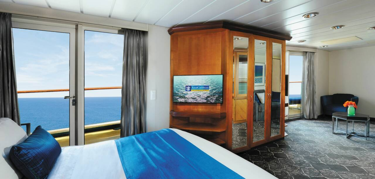 Empress of the Seas Owners Suite