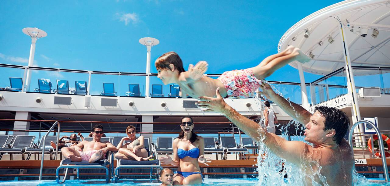 Family Pool on Anthem of the Seas