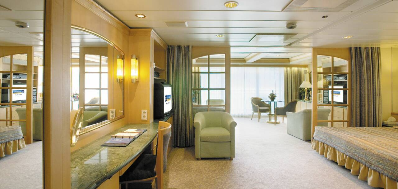 Legend of the Seas Owners Suite