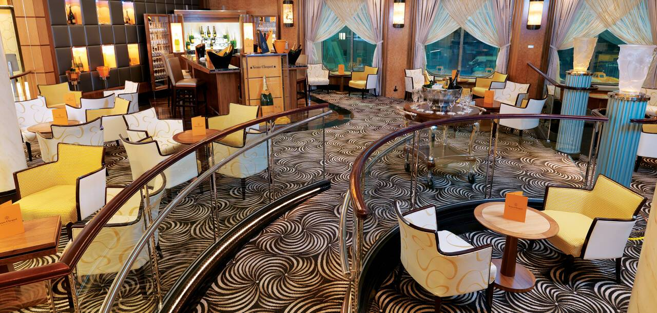 Queen Mary 2, Veuve Cliquot Champagne Bar