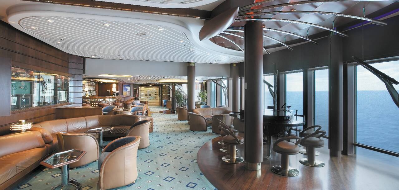Vision of the Seas Schooner Bar